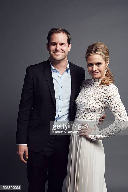 Actors Kyle Bornheimer and Maggie Lawson pose for a portrait at the 2016 People's Choice Awards at the Microsoft Theater on January 6 2016 in Los...