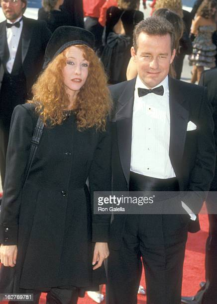 Actors Laraine Newman and Phil Hartman attend the 39th Annual Primetime Emmy Awards on September 20 1987 at Pasadena Civic Auditorium in Pasadena...