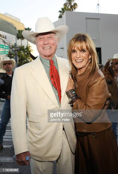 Actors Larry Hagman and Linda Gray attend the opening of the Larry Hagman Collection at Julian's Auction House on June 1 2011 in Beverly Hills...