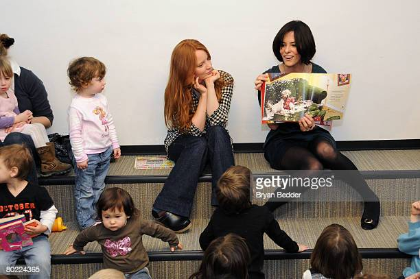 Actors Lauren Ambrose and Parker Posey of FOX's 'The Return Of Jezebel James' read to children while hosting storytime at the Epiphany Branch Library...