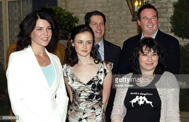 Actors Lauren Graham Alexis Bledel WB's Peter Roth WB's David Janollari and creator/producer Amy ShermanPalladino pose at The WB Networks 'The...