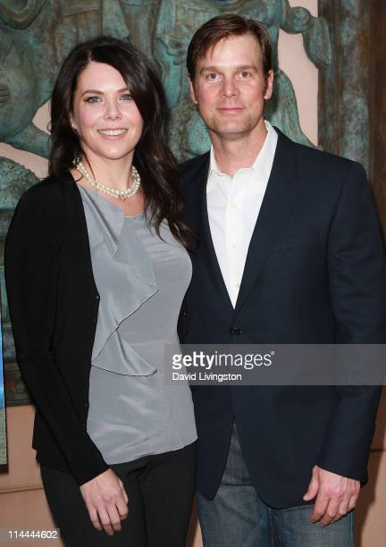 Actors Lauren Graham and Peter Krause attend the Emmy screening for NBC's Parenthood at the Leonard H Goldenson Theatre on May 19 2011 in North...