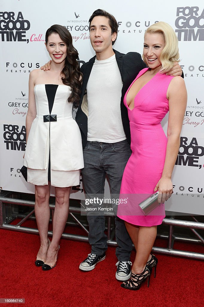 actors-lauren-miller-justin-long-and-ari-graynor-attend-the-for-a-picture-id150564740