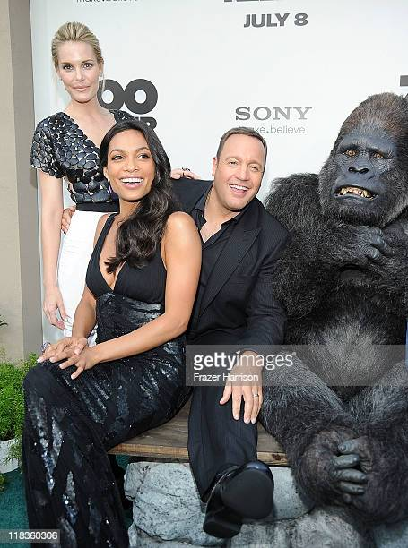 Actors Leslie Bibb Rosario Dawson Kevin James pose at the Premiere of The Zookeeper at the Regency Village Theater Westwood on July 6 2011 in Los...