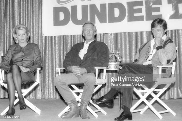 Actors Linda Kozlowski and Paul Hogan attend a press conference to promote their new film 'Crocodile Dundee II' in 1988 in Sydney Australia