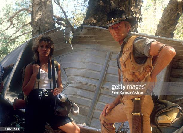 Actors Linda Kozlowski and Paul Hogan on the set of their new film 'Crocodile Dundee' in 1986 on location in the Northern Territory Australia