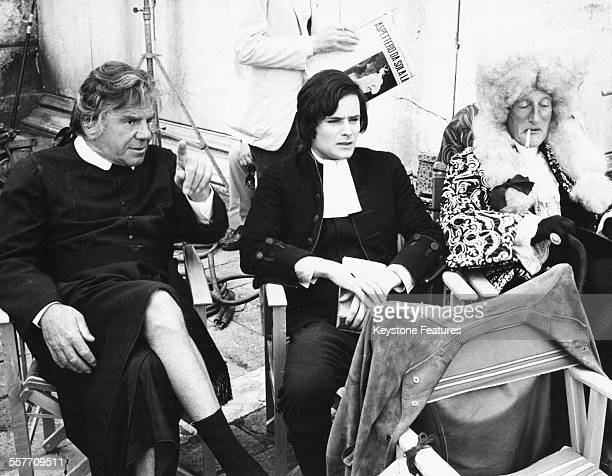 Actors Lionel Stander Leonard Whiting and Wildrid Brambell taking a break on the set of the film 'Giacomo Casanova Childhood and Adolescence' Rome...