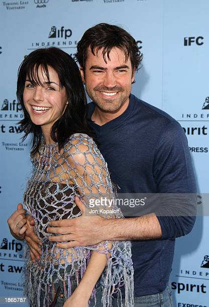 Actors Lisa Sheridan and Ron Livingston attend the 2003 IFP Independent Spirit Awards on March 22 2003 in Santa Monica California