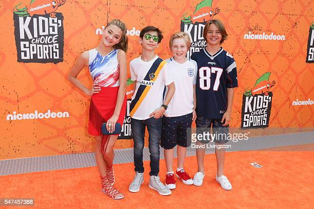 Actors Lizzy Greene Aidan Gallagher Casey Simpson and Mace Coronel arrive at the Nickelodeon Kids' Choice Sports Awards 2016 at the UCLA's Pauley...