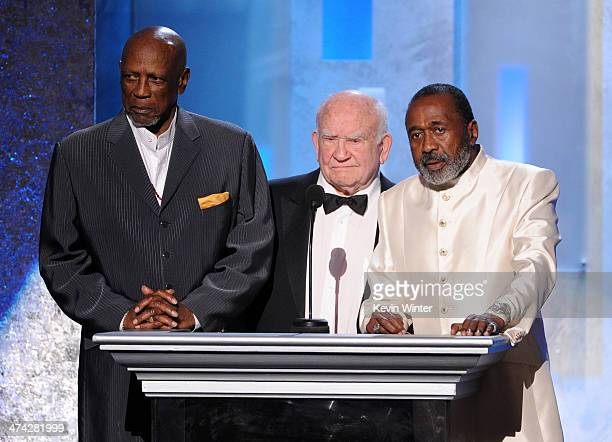 Actors Louis Gossett Jr Ed Asner and Ben Vereen speak onstage during the 45th NAACP Image Awards presented by TV One at Pasadena Civic Auditorium on...