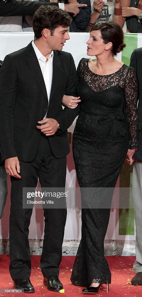 Actors Luca Argentero And Julia Roberts Attend Eat Pray Love News Photo Getty Images