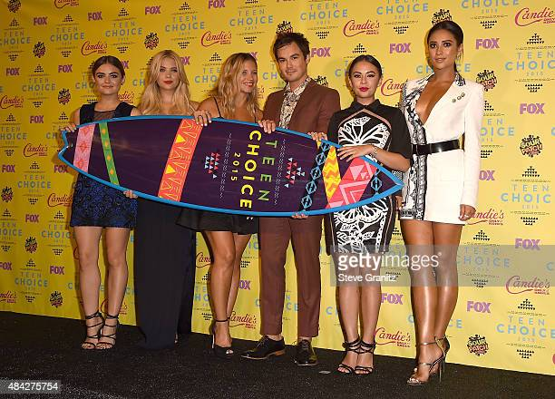 Actors Lucy Hale Ashley Benson Vanessa Ray Ian Harding Janel Parrish and Shay Mitchell winners of the Choice TV Drama Show for 'Pretty Little Liars'...