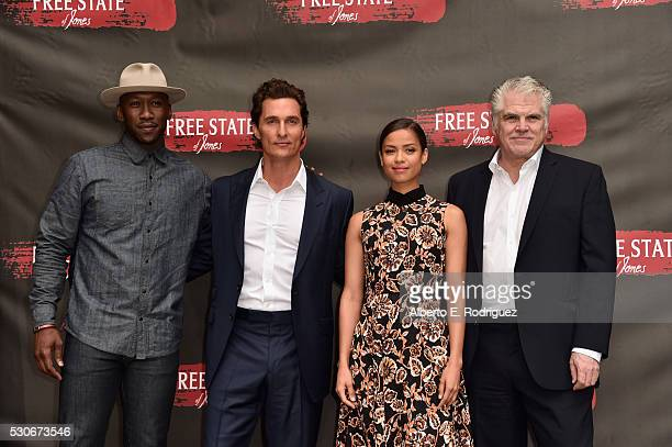 Actors Mahershala Ali Matthew McConaughey Gugu MbathaRaw and Writer Director Garry Ross attend the photo call for STX Entertainment's Free State Of...
