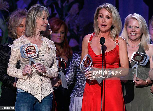 Actors Marianne Gordon Rogers, Linda Thompson and Misty Rowe accept the Entertainers Award onstage during the 5th Annual TV Land Awards held at...