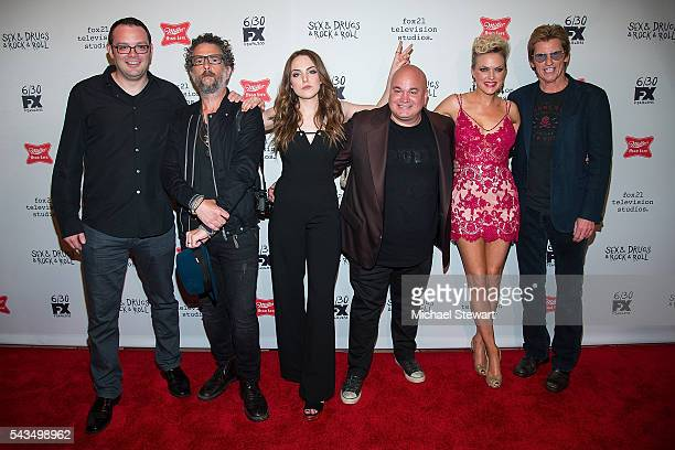 "Actors Mark Gessner, John Ales, Elizabeth Gillies, Robert Kelly, Elaine Hendrix and Denis Leary attend the ""Sex&Drugs&Rock&Roll"" Season 2 premiere at..."