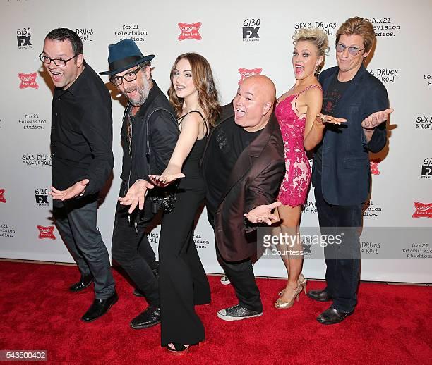 Actors Mark Gessner John Ales Elizabeth Gillies Robert Kelly Elaine Hendrix and Denis Leary attend the SexDrugsRockRoll Season 2 Premiere at AMC...