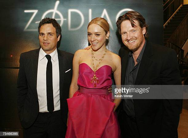 Actors Mark Ruffalo Chloe Sevigny and Donal Logue pose at the premiere of Paramount Picture's 'Zodiac' at the Paramount Theatre on March 1 2007 in...