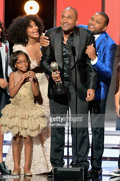 Actors Marsai Martin Tracee Ellis Ross with writer Kenya Barris and actor/host Anthony Anderson accept the award for Outstanding Comedy Series for...