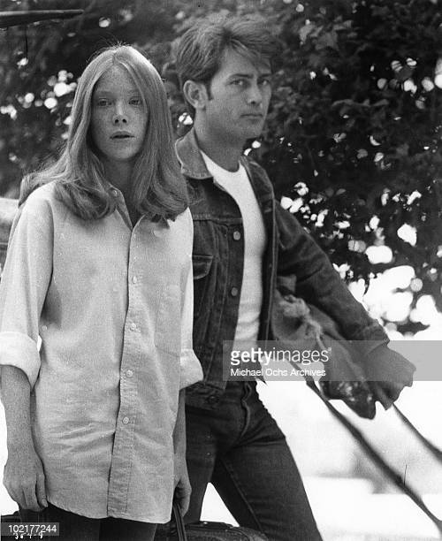 Actors Martin Sheen and Sissy Spacek in a scene from the movie 'Badlands' in 1973.