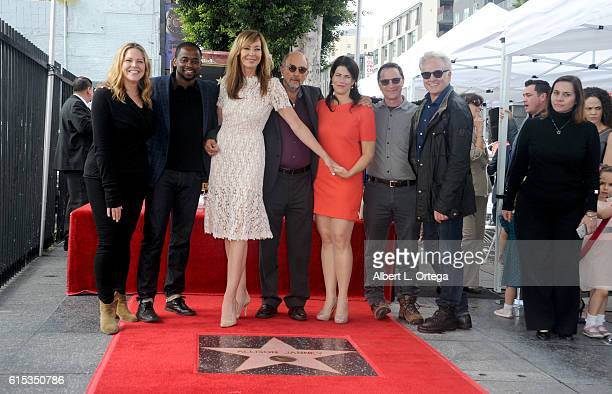 Actors Mary McCormack Dule Hill Allison Janney Richard Schiff Joshua Molina and Bradley Whitford of 'The West Wing' at the Star ceremony held On The...