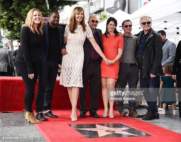 Actors Mary McCormack Dule Hill Allison Janney Richard Schiff Melissa Fitzgerald Joshua Malina and Bradley Whitford attend Janney's Star ceremony on...