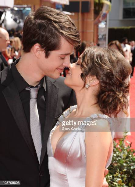 Actors Matt Prokop and Sarah Hyland arrives at the 62nd Annual Primetime Emmy Awards held at the Nokia Theatre LA Live on August 29 2010 in Los...