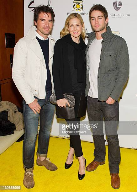 Actors Matt Settle Kelly Rutherford and Chase Crawford celebrate the cover of Smash Magazine at The Lambs Club on November 12 2011 in New York City