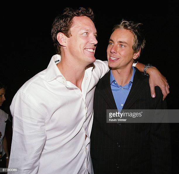 Actors Matthew Lillard and Dax Shepard pose at the premiere of Paramount's 'Without A Paddle' at the Paramount Studios lot on August 16 2004 in Los...