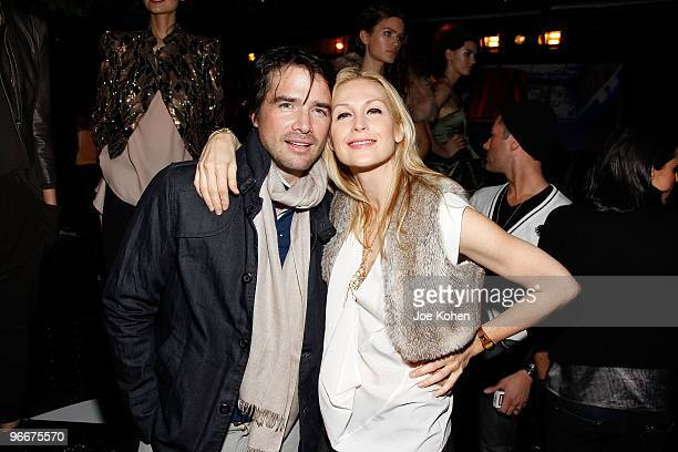 Actors Matthew Settle and Kelly Rutherford attend the alice olivia Fall 2010 presentation during MercedesBenz Fashion Week on February 13 2010 in New...