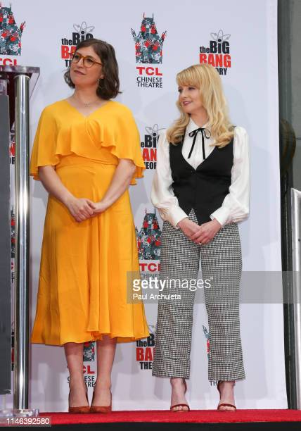 Actors Mayim Bialik and Melissa Rauch attend the the handprint in cement ceremony for the cast of The Big Bang Theory at the TCL Chinese Theatre IMAX...