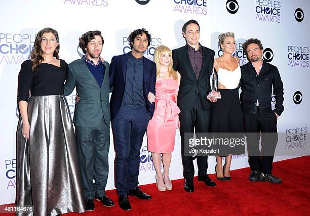 Actors Mayim Bialik Simon Helberg Kunal Nayyar Melissa Rauch Jim Parsons Kaley CuocoSweeting and Johnny Galecki attend the 41st Annual People's...