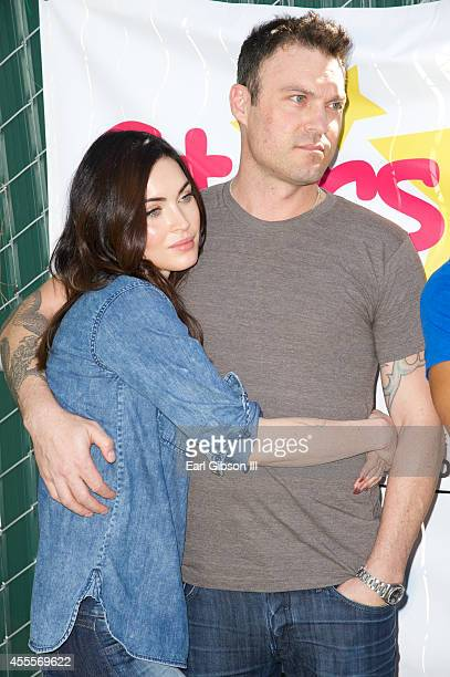 Actors Megan Fox and Brian Austin Green attend The Celebrity Source's Inaugural Stars 4 Smiles event at Harbor UCLA Medical Center on September 16...