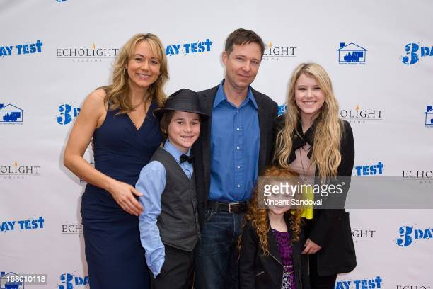 Actors Megyn Price Aidan Potter George Newbern Francesca Capaldi and Taylor Spreitler attend the Los Angeles Premiere of '3 Day Test' at Downtown...