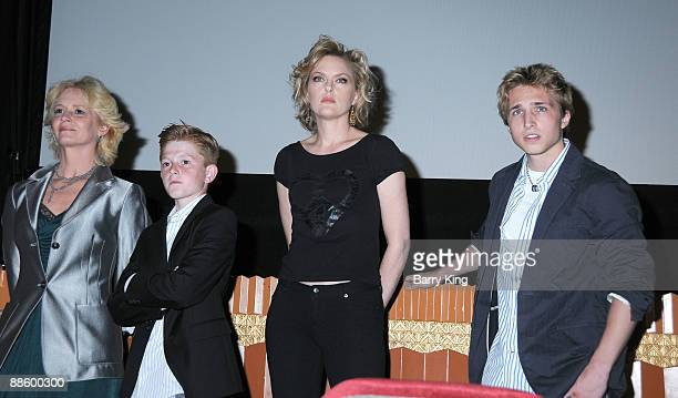 Actors Melissa Leo Zane Huett Elaine Hendrix and Shayne Topp attend the 2009 Los Angeles Film Festival Netflix Private Dear Lemon Lima Screening and...