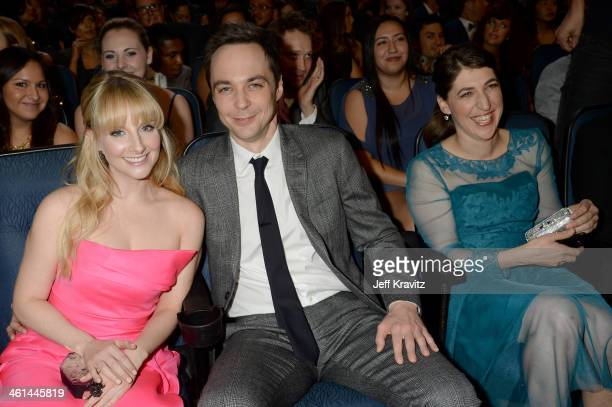 Actors Melissa Rauch actor Jim Parsons and Mayim Bialik attend The 40th Annual People's Choice Awards at Nokia Theatre LA Live on January 8 2014 in...