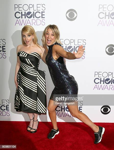 Actors Melissa Rauch and Kaley Cuoco pose in the press room during the People's Choice Awards 2016 at Microsoft Theater on January 6 2016 in Los...