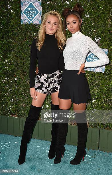 Actors Meredith Mickelson and Bella Harris attend the Teen Choice Awards 2016 at The Forum on July 31 2016 in Inglewood California