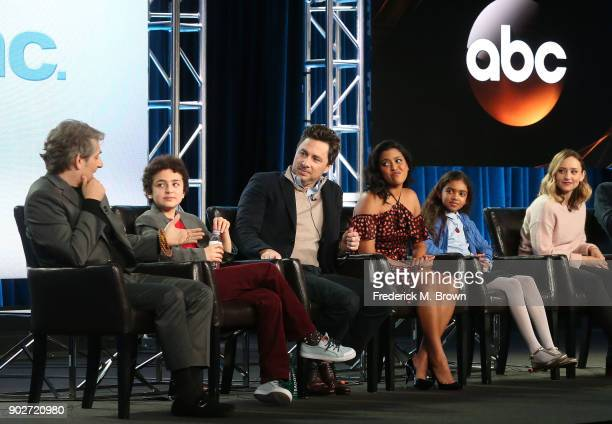 Actors Michael Imperioli Elisha Henig actor/executive producer Zach Braff actors Tiya Sircar Audyssie James and Hillary Anne Matthews of the...