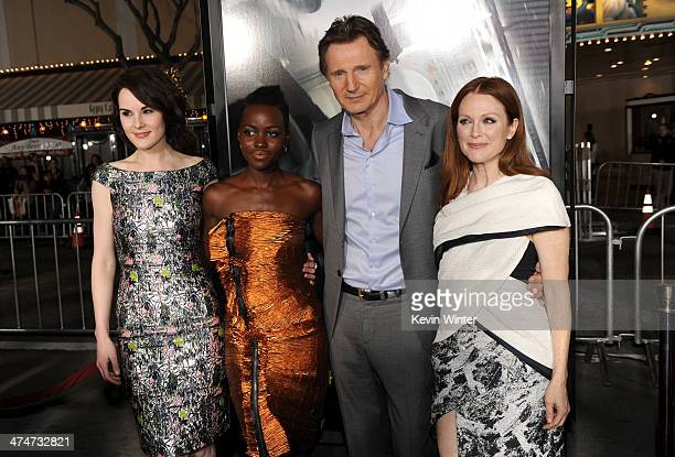 Actors Michelle Dockery Lupita Nyong'o Liam Neeson and Julianne Moore attend the premiere of Universal Pictures and Studiocanal's 'NonStop' at...