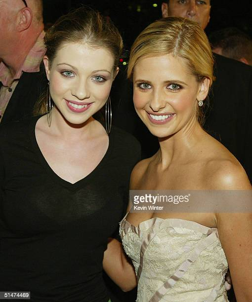 Actors Michelle Trachtenberg and Sarah Michelle Gellar pose at the premiere of Columbia Pictures' The Grudge at the Village Theatre on October 12...