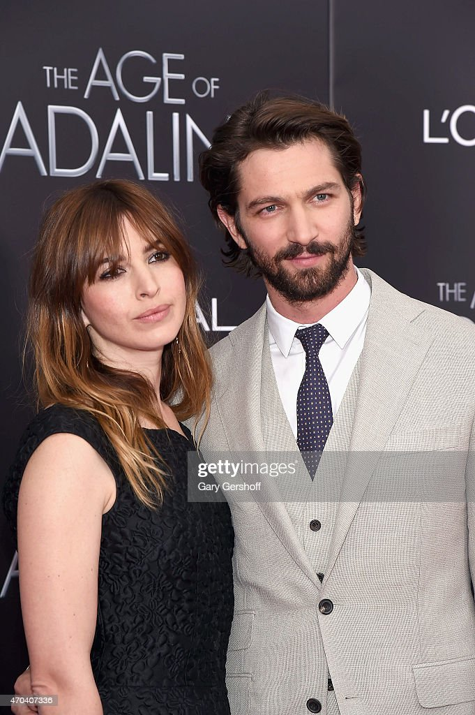 Actors Michiel Huisman And Wife Tara Elders Attend The Age Of News Photo Getty Images