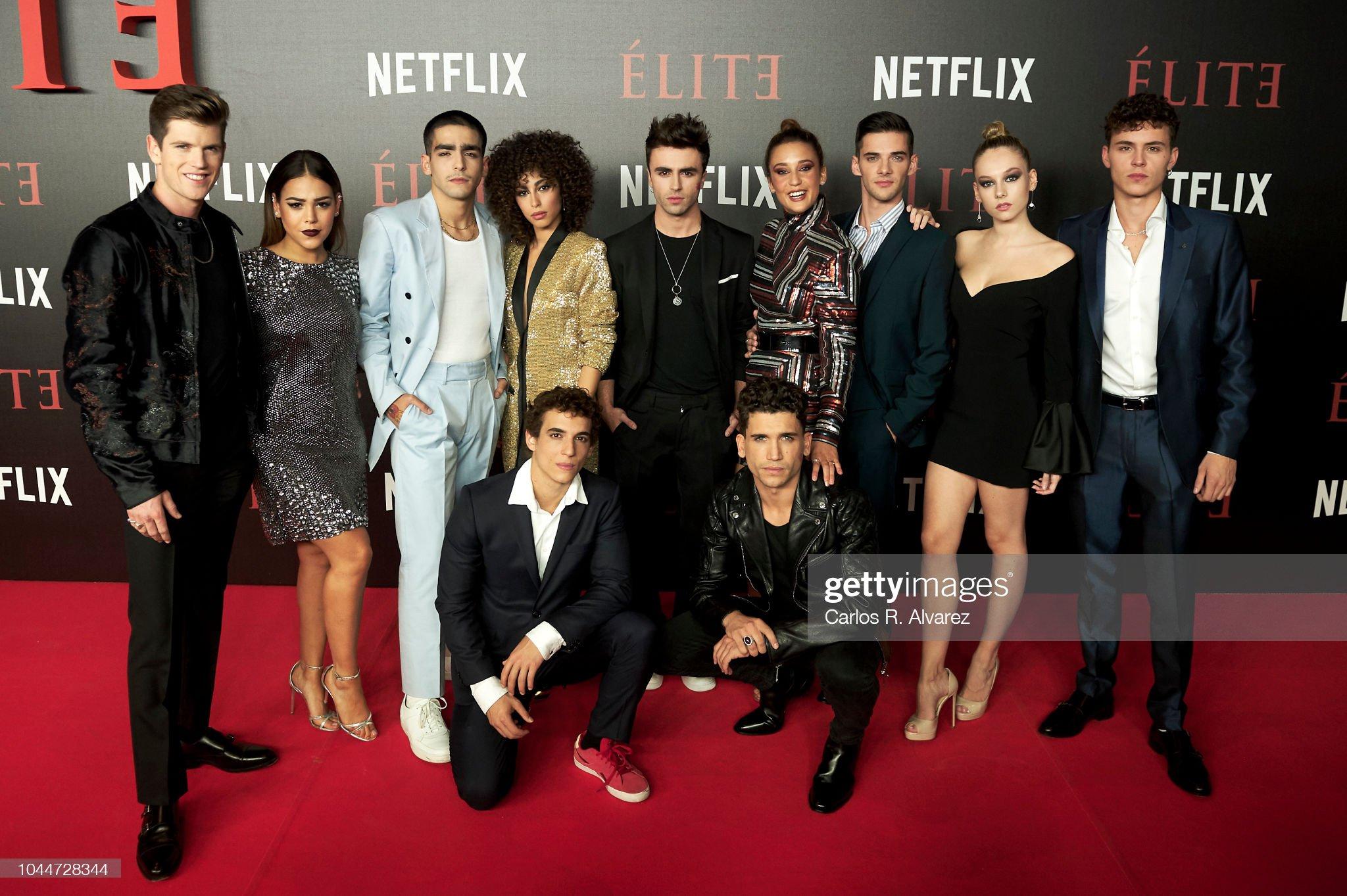 ¿Cuánto mide Danna Paola? - Altura - Real height Actors-miguel-bernardeau-danna-paola-omar-ayuso-mina-el-hammani-itzan-picture-id1044728344?s=2048x2048