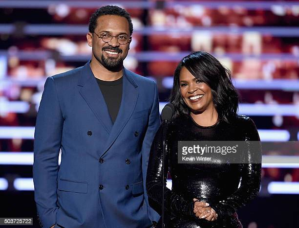 Actors Mike Epps and Nia Long speak onstage during the People's Choice Awards 2016 at Microsoft Theater on January 6 2016 in Los Angeles California