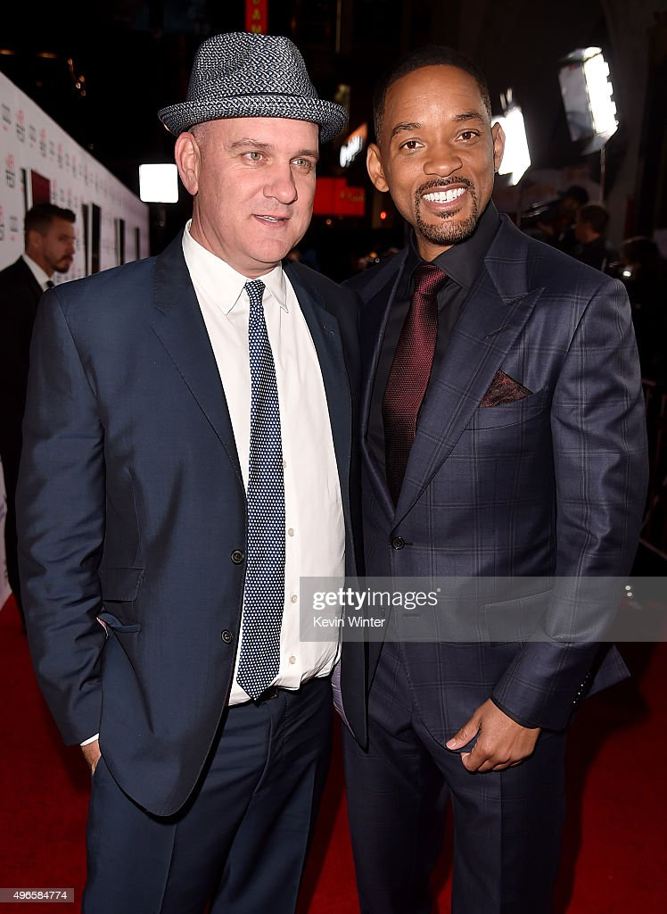 Actors Mike O'Malley (L) and Will Smith attend the Centerpiece Gala Premiere of Columbia Pictures' 'Concussion' during AFI FEST 2015 presented by Audi at TCL Chinese Theatre on November 10, 2015 in Hollywood, California.