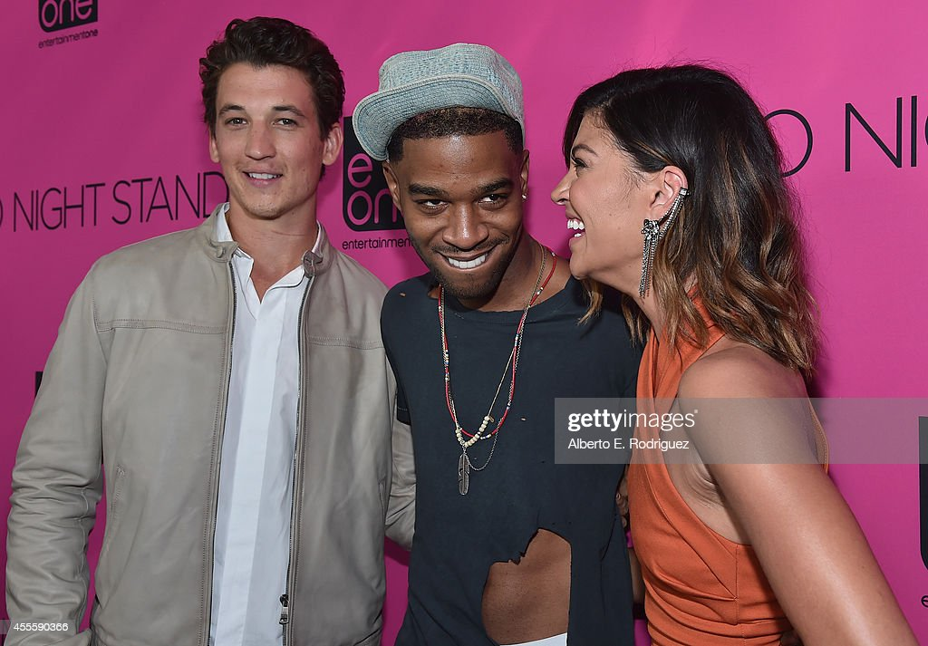 """Premiere Of eONE Films' """"Two Night Stand"""" - Red Carpet : News Photo"""