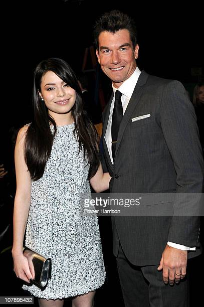 Actors Miranda Cosgrove and Jerry O'Connell backstage at the 2011 People's Choice Awards at Nokia Theatre LA Live on January 5 2011 in Los Angeles...