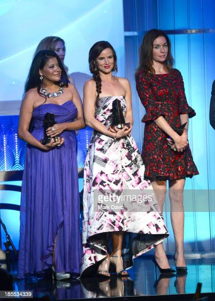 Actors Misty Upham Juliette Lewis and Julianne Nicholson accept the Hollywood Ensemble Cast Award for 'August Osage County' as director John Wells...
