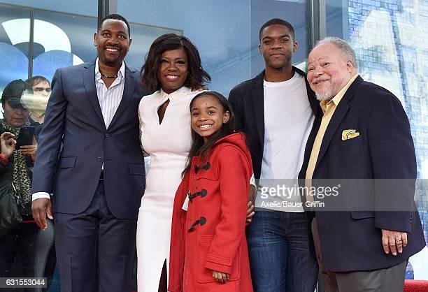 Actors Mykelti Williamson, Viola Davis, Saniyya Sidney, Jovan Adepo and Stephen Henderson attend the ceremony honoring Viola Davis with star on the...