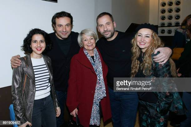 Actors Nadia Roz Bruno Salomone Evelyne Dandry humorist Fred Testot and CoOwner of the 'Theatre de la Tour Eiffel' Christelle Chollet pose after Fred...