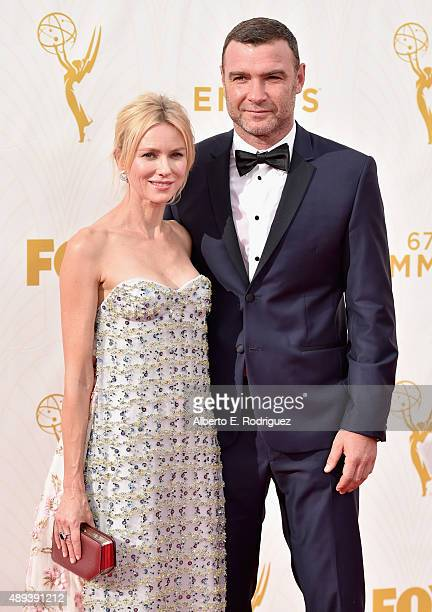 Actors Naomi Watts and Liev Schreiber attend the 67th Emmy Awards at Microsoft Theater on September 20 2015 in Los Angeles California 25720_001